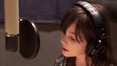 "Alexa singing ""The Climb"""
