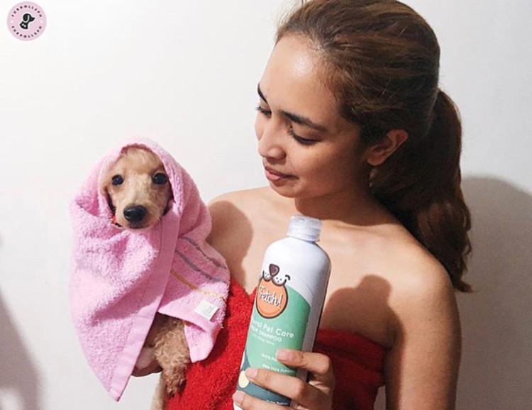 Reem & Mia use the same shampoo!