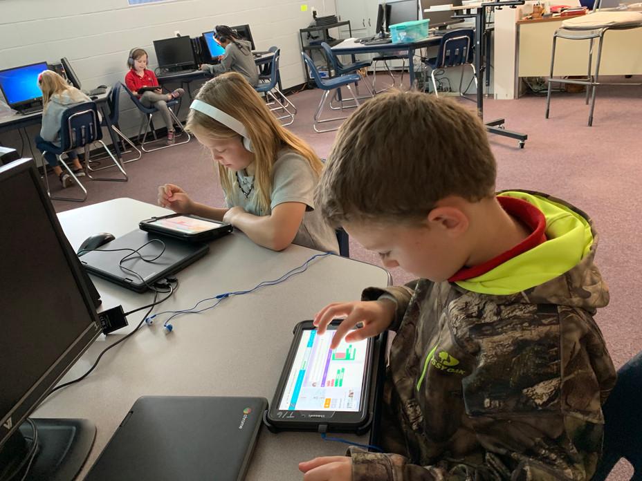 Students Celebrate Hour of Code at SABCS