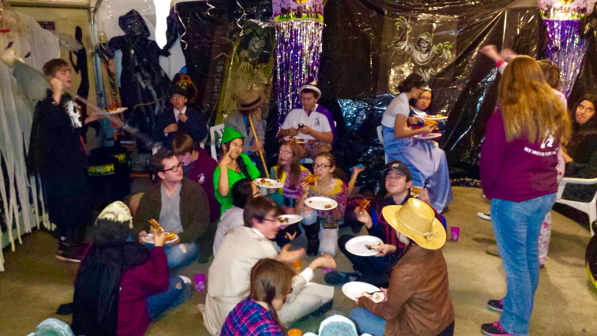 Haloween Party 4.jpg