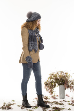 Boucle Frost - Indigo, F115 Scarf, F116 Gloves, F117 Beret