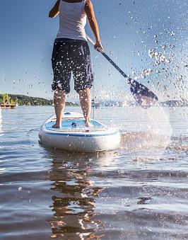 Planche à pagaie sur le Lac Croche