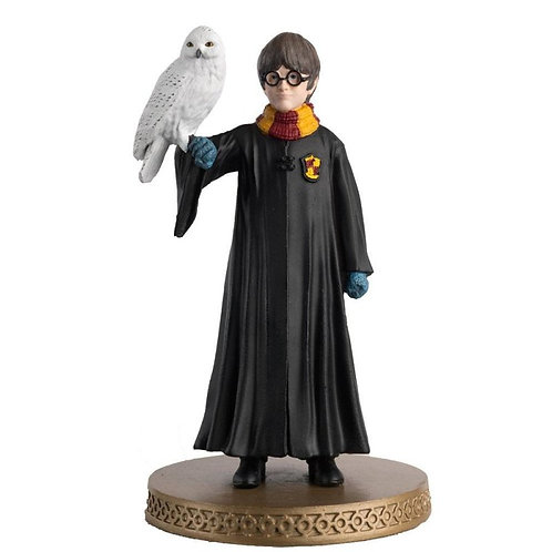 Harry Potter: Harry Potter and Hedwig - Year 1 1:16 Scale Figurine
