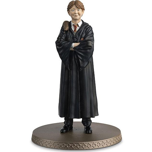 Harry Potter: Ron Weasley with Scabbers 1:16 Scale Resin Figurine