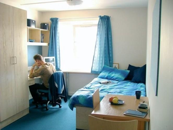 Bellerbys London student's room