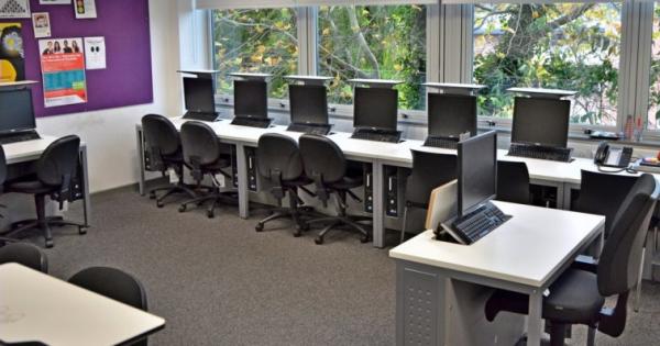 Bellerbys Oxford computer classroom