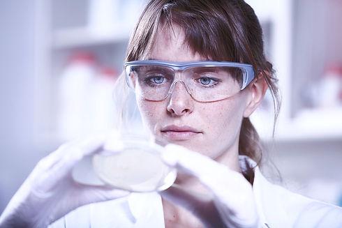 Female%20Scientist_edited.jpg