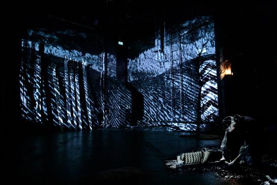 Fjeldfuglen grusomheten teater (1).jpg