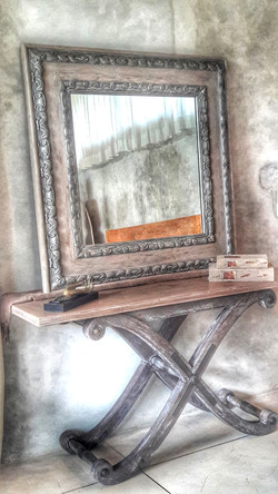 Consoles W Mirror