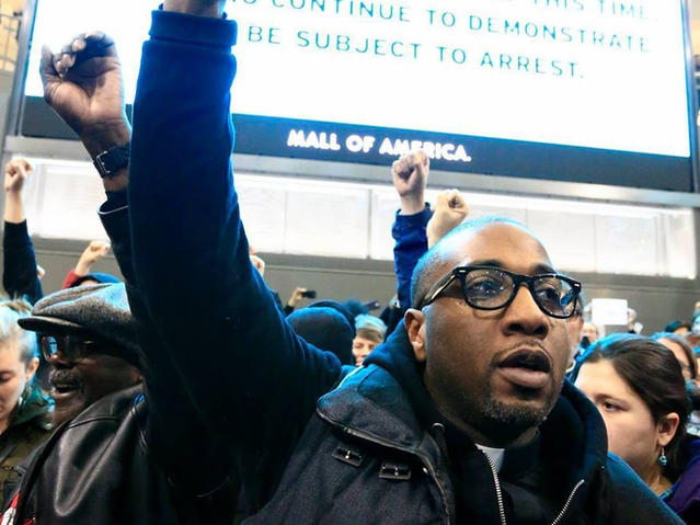BLM protest shuts down mall of america