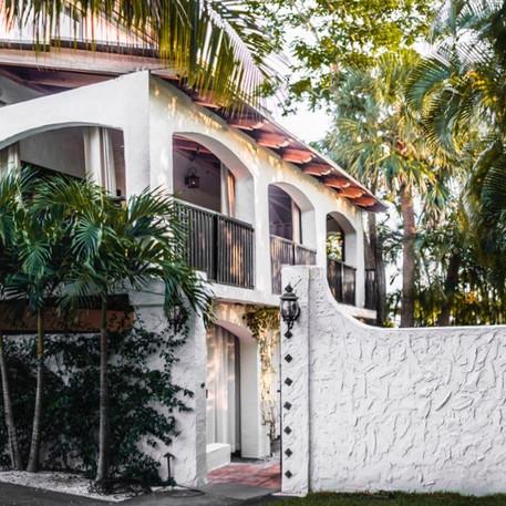 Alans Residence Entrance 05_edited_edite