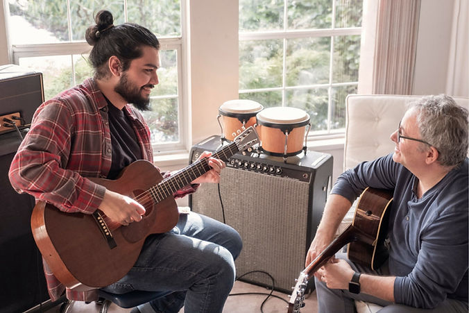 guitar-lessons-Teddington-london.jpg