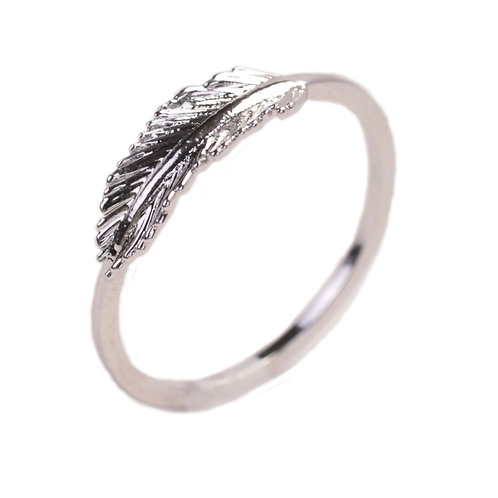 FEATHER STYLE RING
