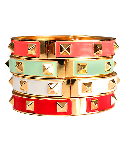 STACKABLE STUDDED CUFF