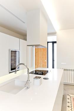 White & Wood - Dezain Architects