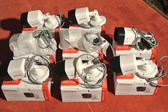 7 Камера видеонаблюдения 8 ШТ HIKVISION