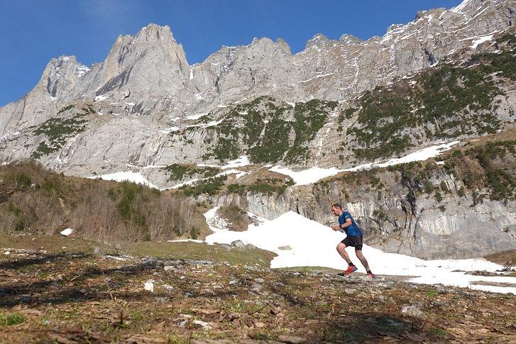 Trail%20run%20below%20the%20Wetterhorn_e