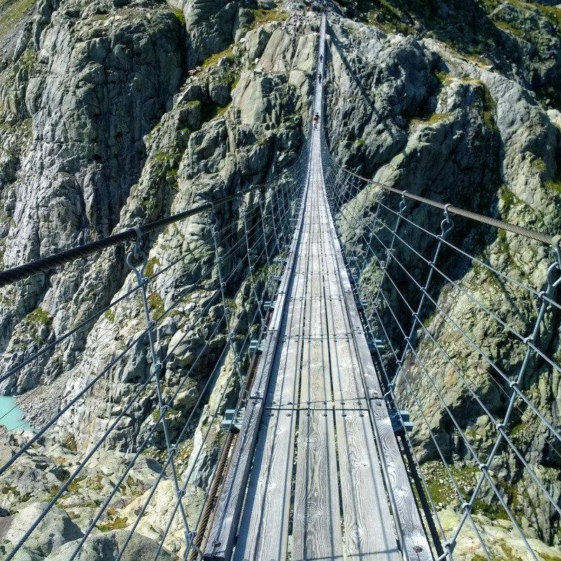 Trift hanging bridge