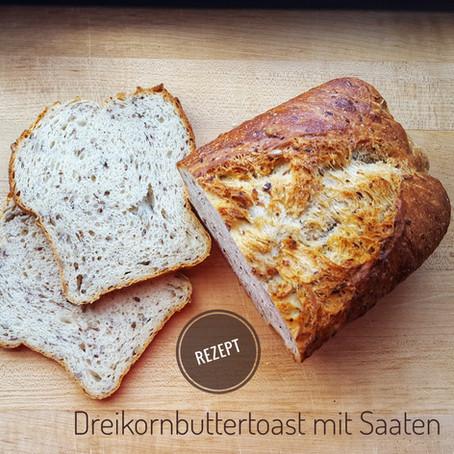 Dreikorn-Buttertoast mit Saaten