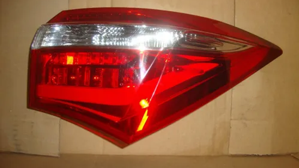 Lanterna Direita De Corolla 2015