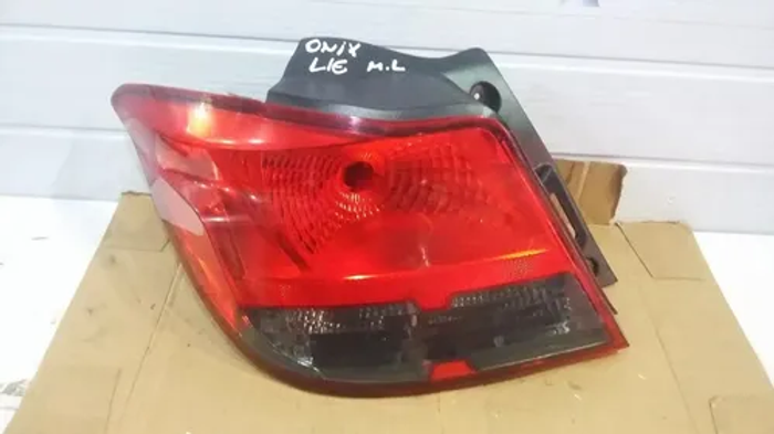 Lanterna Esquerda Fume Gm Onix