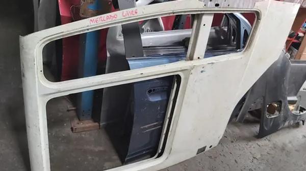 Porta Direita De Ford Cargo 1317