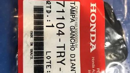 Tampa Gancho Dianteiro Honda 71104-try