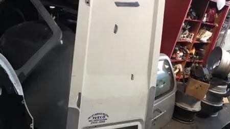 Tampa Traseira De Iveco