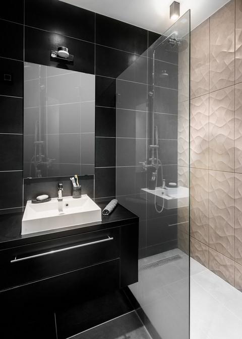 dj home interior bathroom.jpg