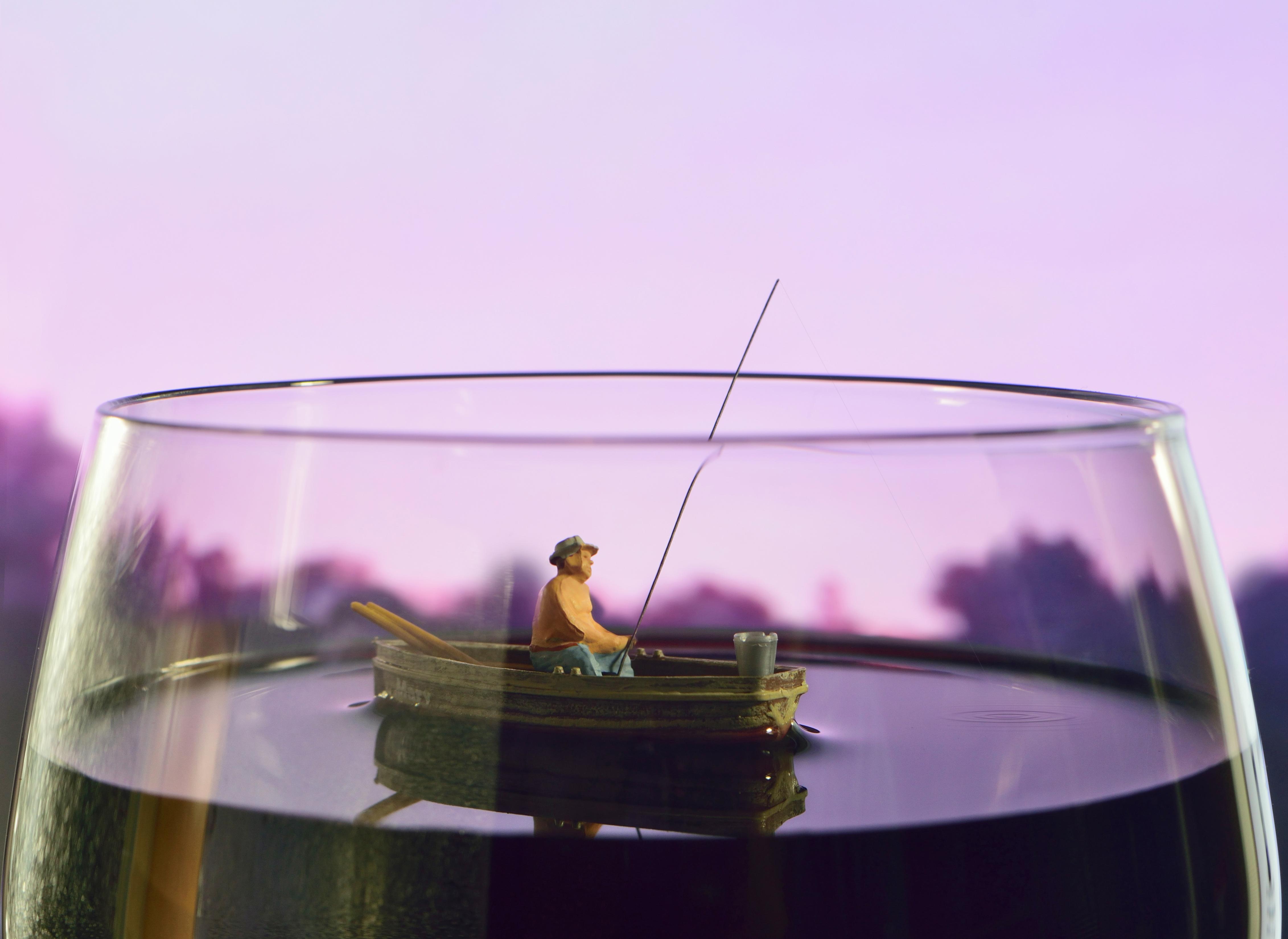BCV_carden_wine_boat_35x48