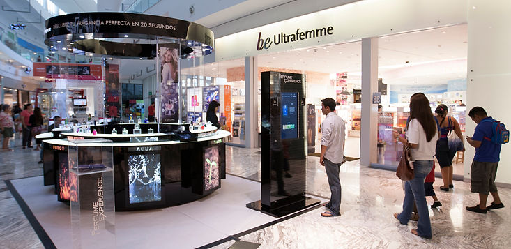 Pop-up store designed by Katerina Friderici in Cancun for L'Oreal perfumes