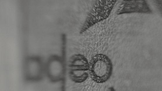 Adeo logo detail_inzet_lether_zw_w01.jpg