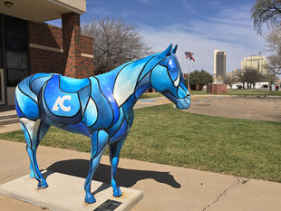 Amarillo's Horse Statues Approach Anniversary