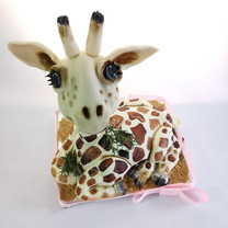 giraffe structure celebration cake