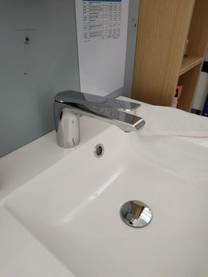 Mitigeur lavabo Avid chromé 150€ TTC
