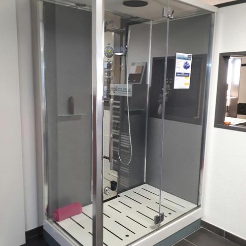 Cabine de douche hydromassante Dynamic - 5000 € ttc
