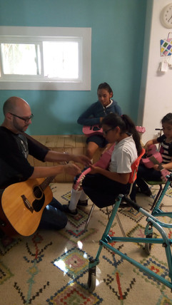 Casa De Luz Guitar Class