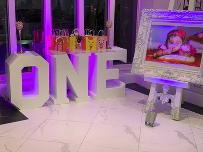 3D ONE letter Table