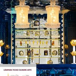 El candil CILINDRO-ARTE diseñado por EL CANDIL FRANCÉS NOUVEAU está fabricado en bronce y diamantinas cristal Austriaco, acabado de baño electrostático Cromo.  Medidas CILINDRO-ARTE-45CM: Diámetro 45cm x Alto 70cm.  Medidas CILINDRO-ARTE-35CM: Diámetro 35cm x Alto 40cm.