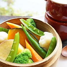 ヘルシー温野菜のセイロ蒸しバーニャカウダーソース