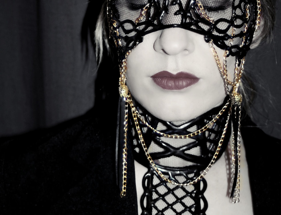 MASK LATEX / Amy / gold chain