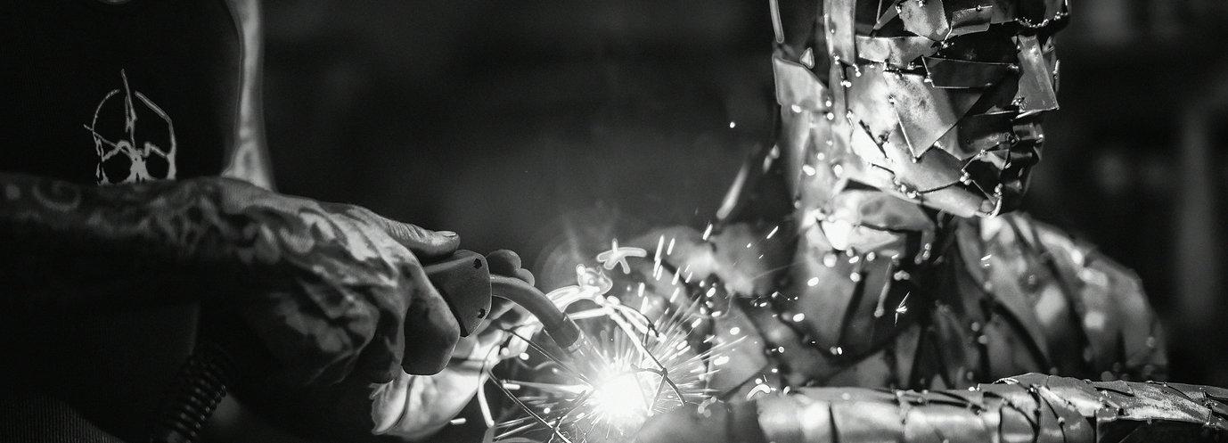 sculptor metal artist