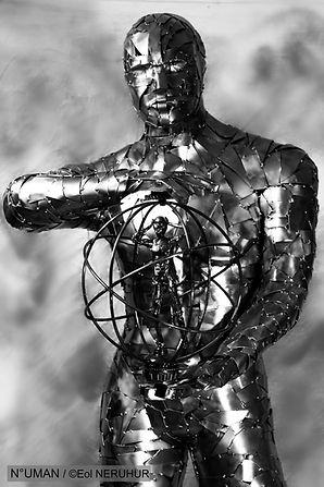 n-uman sculpteur,human sculpture