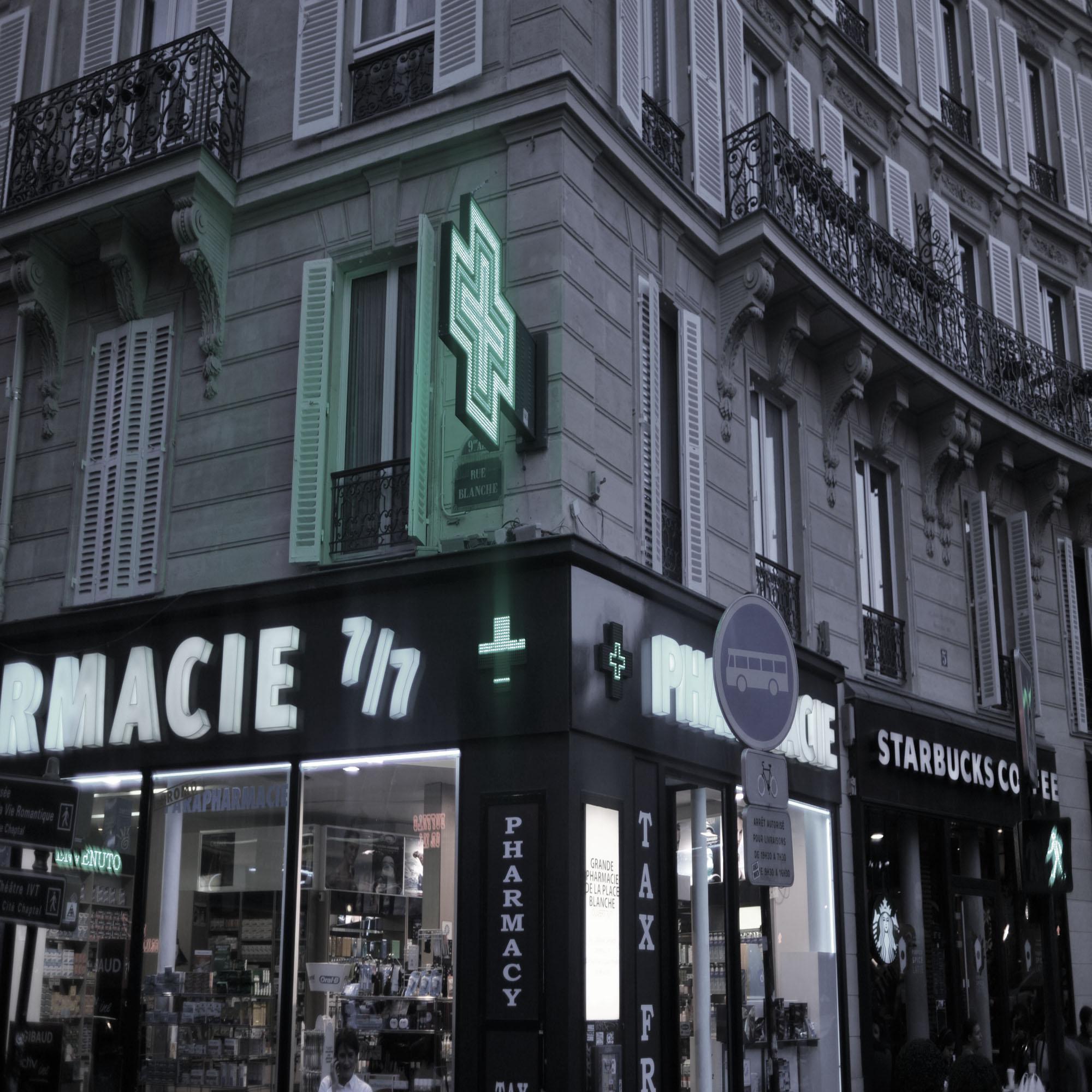 pharmacieplaceblanchesq.jpg
