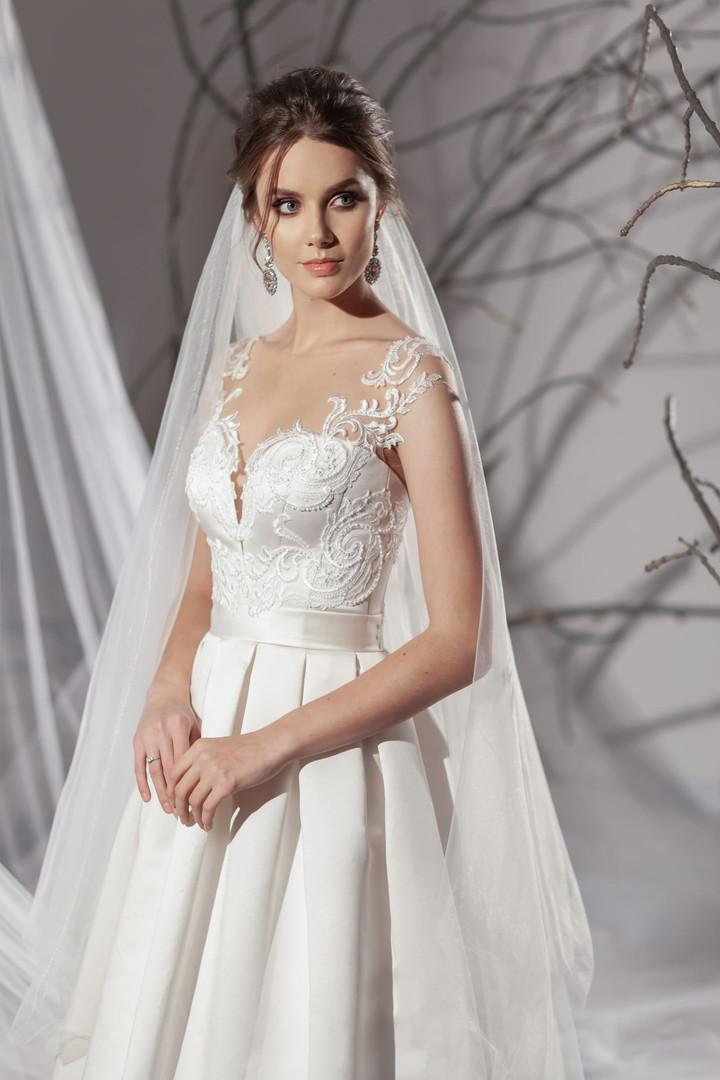 Chantal #1905 Lezardi by Your Bridal Look