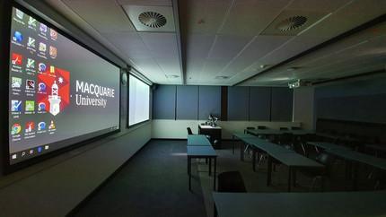 Sala de aula para interação com pequenos grupos.