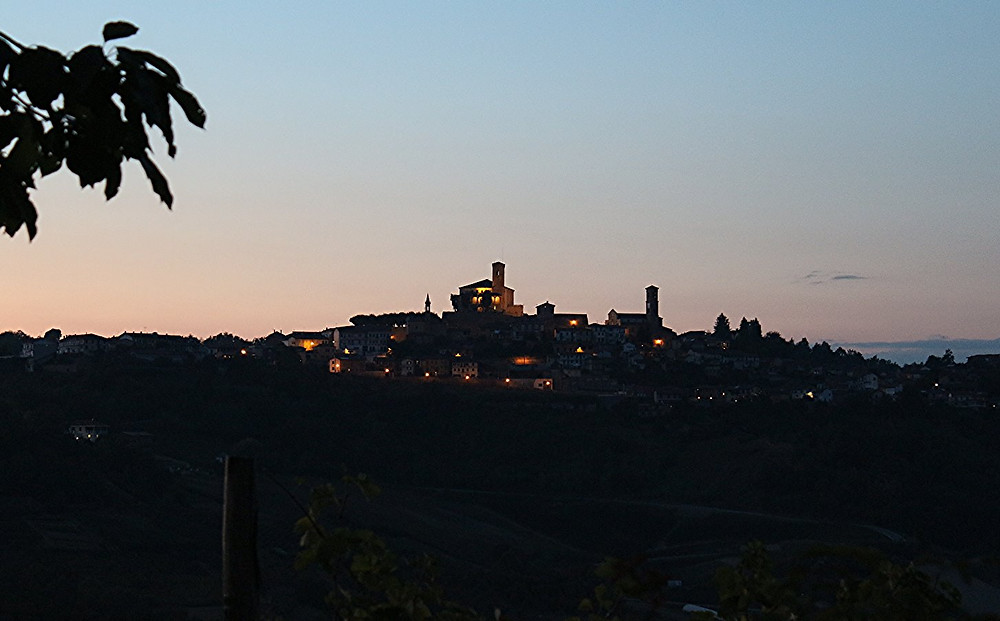 Blick auf Cisterna d' Asti