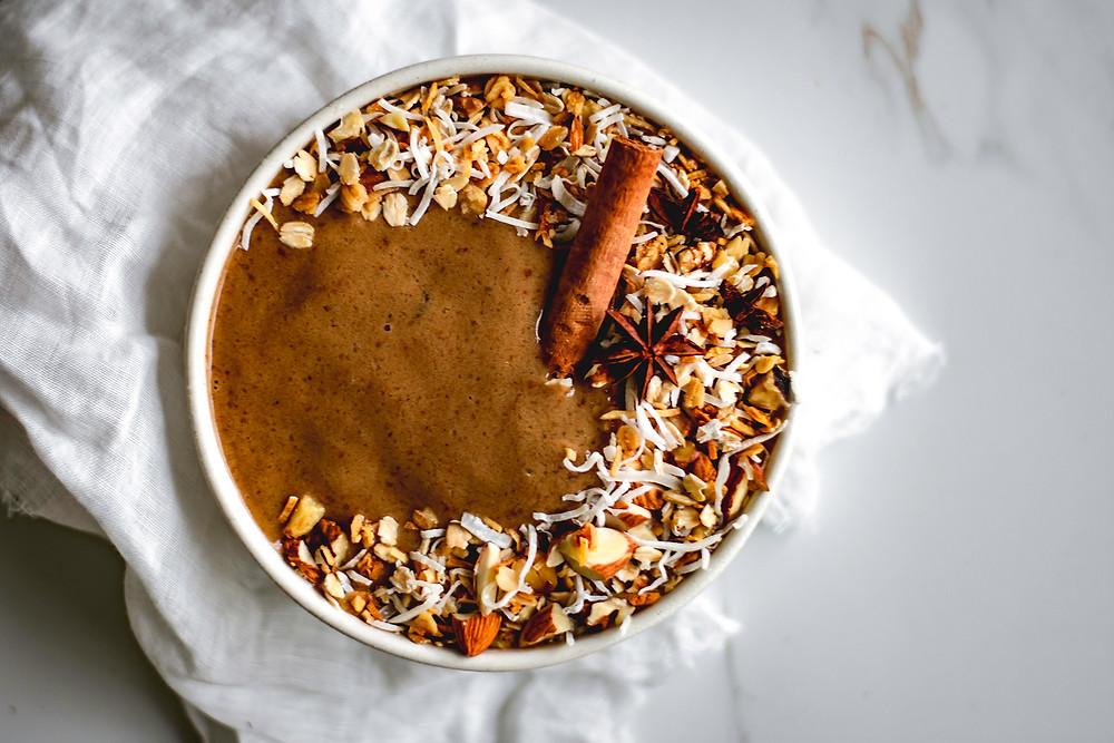 Spiced Vanilla Chai Smoothie Bowl