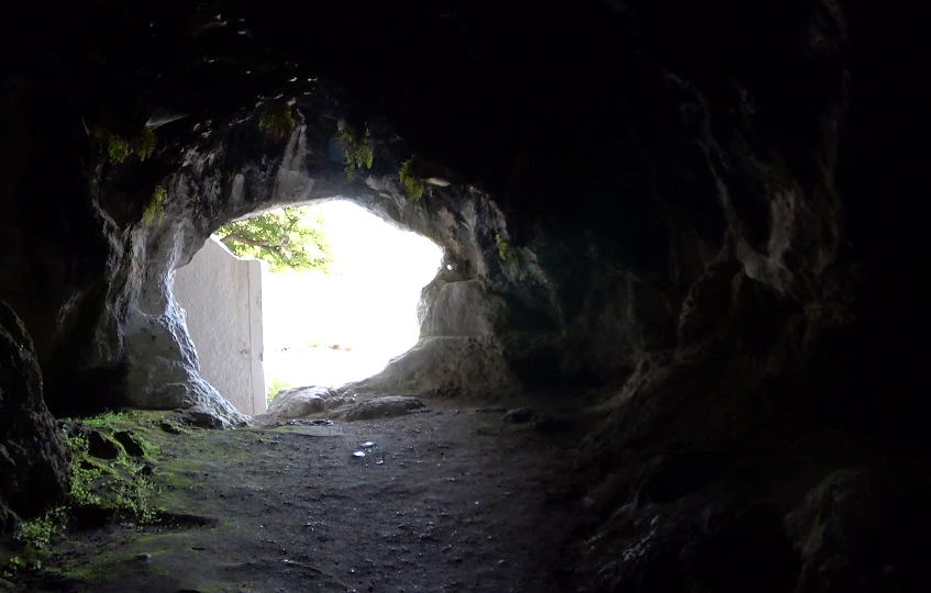 Cave 9