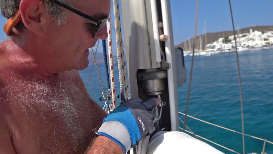Top of sail attachment